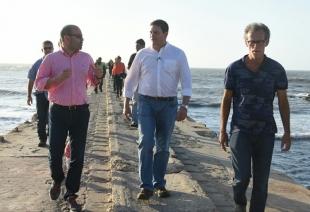 """""""Está acabando con el turismo de la zona"""": Pinzón sobre mal estado del muelle de Puerto Colombia"""