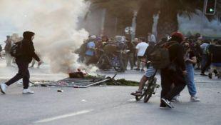 Chile protesta, pese al toque de queda