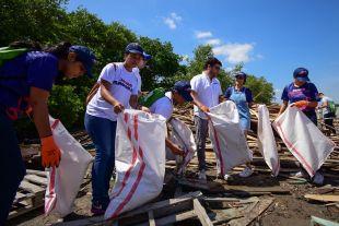Jaime Pumarejo lideró jornada de limpieza en Puerto Mocho