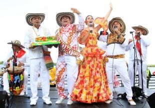 Una tarde mágica al son de cumbia, se vivió en el Gran Malecón con las Reinas Populares
